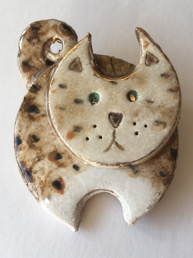 Ceramic cat brooch Quirky ceramics image 0