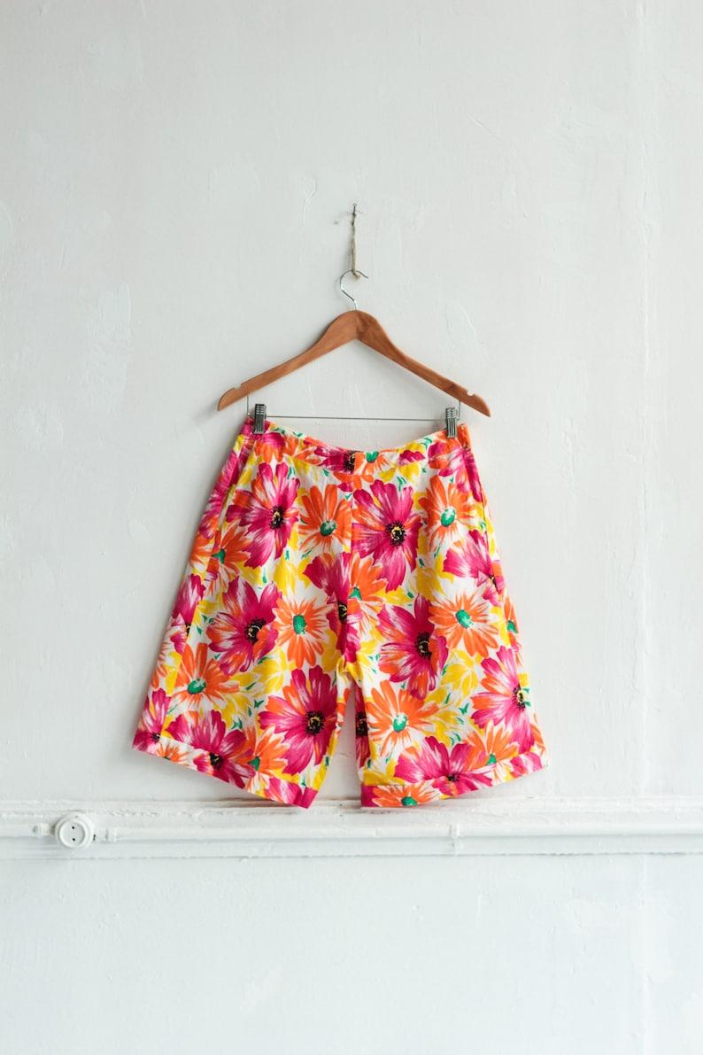 Vintage Floral shorts Long Wide leg shorts Woman Summer shorts  Size M W29 Colorful shorts