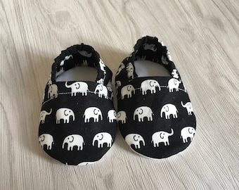 elephant baby shoes, pram shoes, baby shower gift, baby booties, moccs, crib shoes, black baby shoes, baby slippers, elephant print, bootie