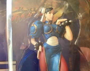 """Chun-Li, Street Fighter IV, 3.75"""" Collector's Edition Statuette. 1 of 3000. Carded and Sealed. Early to Mid 2000's. State of the Art Toys."""