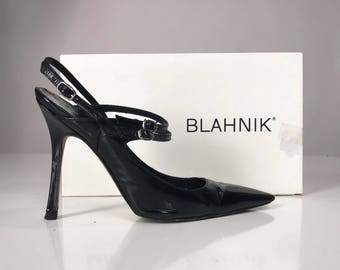 90s Manolo Blahnik Stilettos // Patent Leather Witchy Woman Heels // Size 6 Carrie Heels // 1990s Black Slingback Pointy SATC Pumps