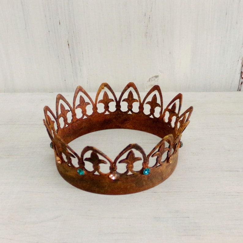 Vintage rusted Crown rhinestones statue decor