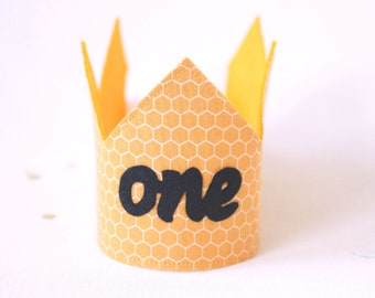 One Crown-Bee one birthday crown-Honey bee birthday-First bee day party-Bee Cake smash outfit girl-Bee theme birthday -1st bee day-bumblebee
