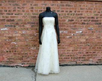 Vintage 1980s Zum Zum by Niki Livas Ivory White Organza Gown w/ Silver Sparkly Flowering Branch Design & Lace-Up Back (7/8)