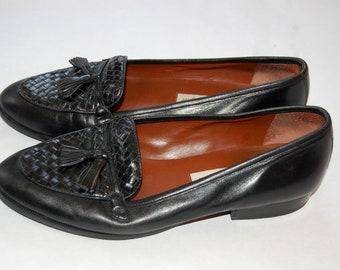 Vintage 1980s Etienne Aigner Black Tassel Loafers / Size 8.5 M / Leather Shoes