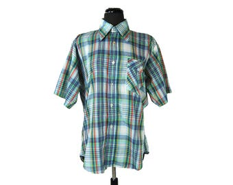 Vintage 1980s Levis Red, Blue, Yellow, Green Plaid Short Sleeved Men's Shirt (Size Large)