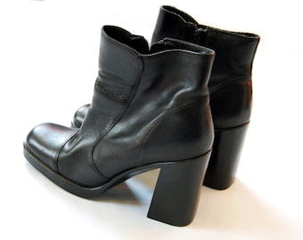 Vintage 1990s Black Chunky Square Toed Leather Boots / Hillard & Hanson Size 8.5