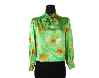 Vintage 1970s Green and Gold Tie Neck Secretary Blouse / Pussy Bow / Squares and Brush Strokes Pattern