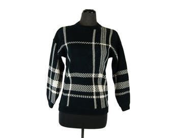 Vintage 1980s Lizwear Black and White Plaid Cotton Crew Neck Sweater (Petite Small)