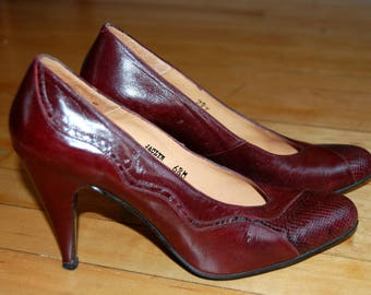 Vintage 1960s Burgundy Red Wine Leather and Snakeskin Pumps / Rosina Ferragamo Schiavone / Size 6.5