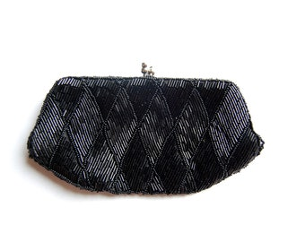 Vintage 1960s Beaded Black Clutch / Coin Purse / Kissing Lock / Formal Evening Bag