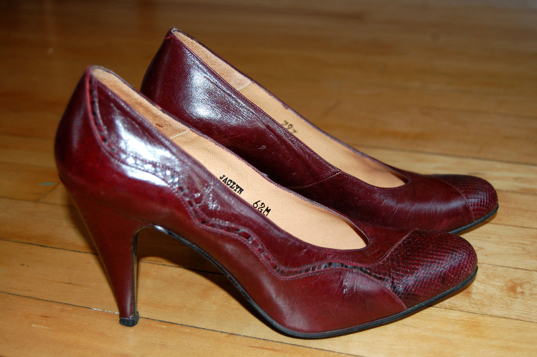 e3f21ecdf0d26 Vintage 1960s Size 6.5 Burgundy Red Wine Leather and Snakeskin Pumps /  Rosina Ferragamo Schiavone