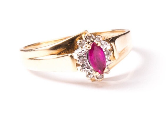 Estate Ruby Ring - Vintage Ruby Ring - Ruby and Di