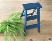 Vintage Blue Ladder - 2 staps