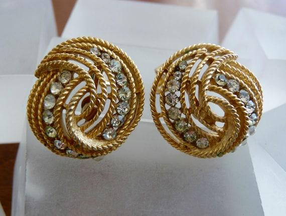 Crown Trifari Gold Earrings/Crown Trifari Gold Swi