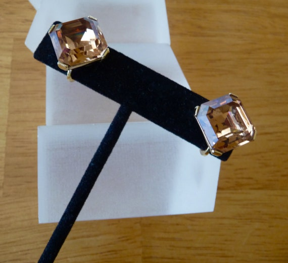 Crown Trifari Earrings/Crown Trifari Square Cut To