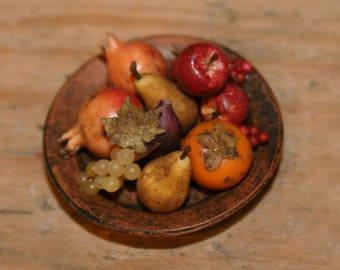 "Dollhouse miniatures """"Beautiful Plate with mixed fruits""- Artisan Handmade Miniature in 12th scale. From CosediunaltroMondo"