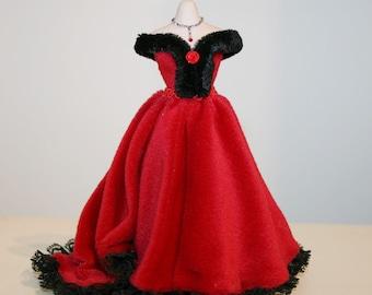 "DOLLHOUSE Miniatures ""Elegant Red Velvet DRESS""- Artisan HANDMADE Miniature in 12th scale. From CosediunaltroMondo"