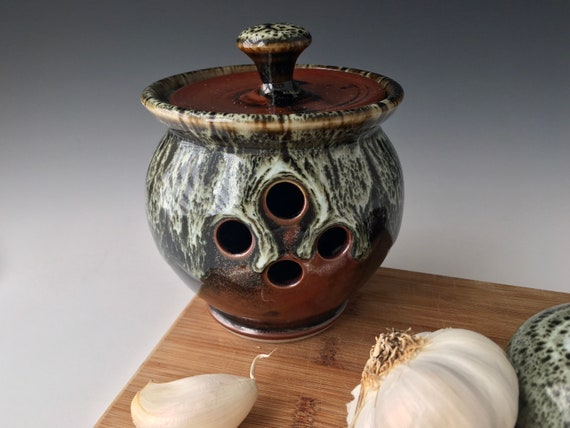 Garlic Cellar Keeper, Keep garlic cool and dry storage jar container, stoneware pottery jar with air vent holes
