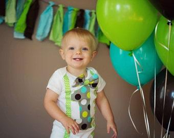 Blue Green Polka Dot and Chevron Suspenders, Boy Cake Smash, Boy one year outfit, Boy Bow tie Set, Boy first birthday, Lime Green Chevron
