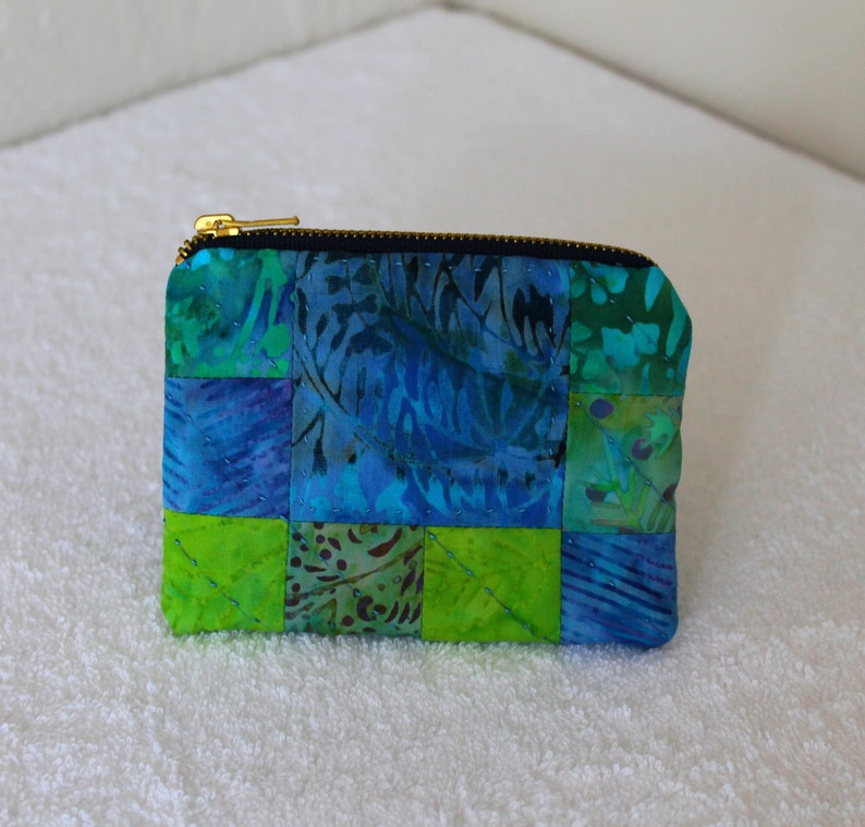 padded and quilted patchwork Christmas COIN PURSE