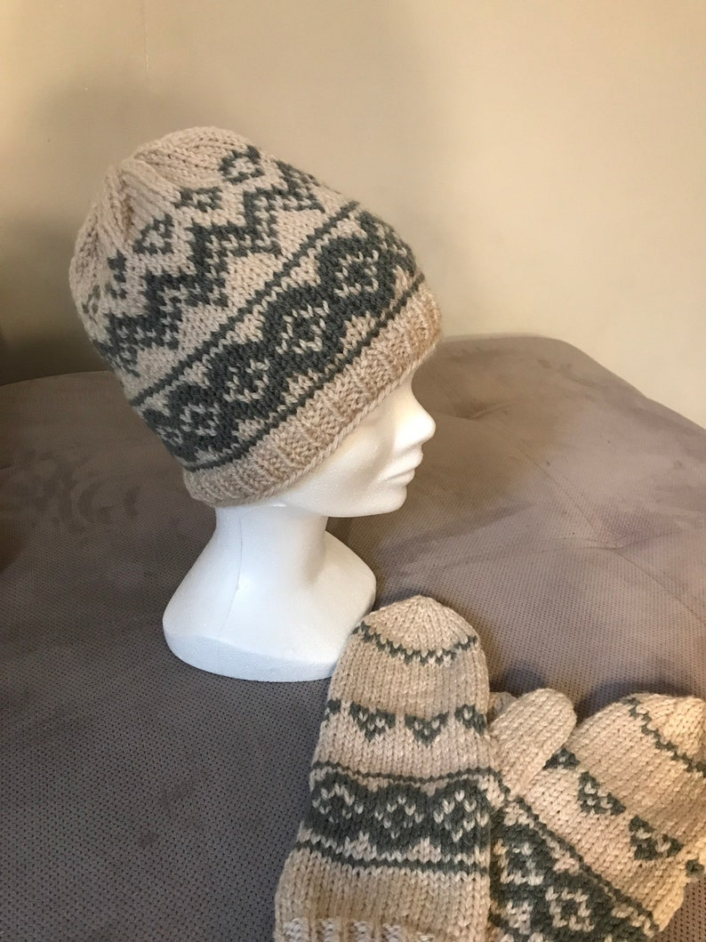100/% wool mixed size SM several colors ADULTE Jacquard pattern cap