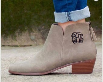 9ddfd9bd93579 Preppy ankle boots | Etsy