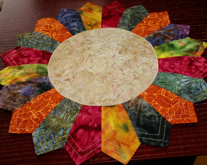 Dresden Placemats - size: 17 1/2 in. diameter - PDF pattern