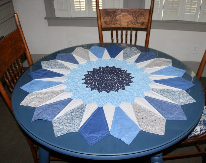 Dresden Table Topper - 39 1/2 in. diameter - PDF pattern