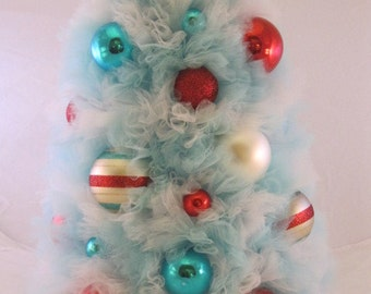 Aqua, Red, and White Tulle Tabletop Tree