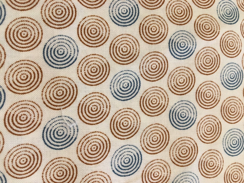 quilting IVORY fabric wit BLUE and BROWN discs 1 yard 31 diamond effect historic print 100/% cotton fabric