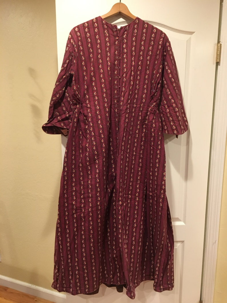 c6e18e7d1ab2c9 Hot PINK and BROWN striped WRAPPER or house-dress woman s