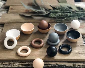 Neutral Toddler Rings, Balls, or Bowls