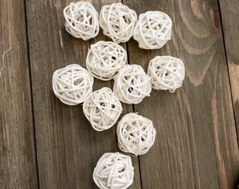 10 White Rattan Balls