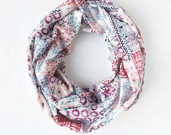 Foulards floral pour les femmes, Boho infini foulard, cadeau pour maman,  Patchwork foulard, foulard indien, d inspiration Vintage 32dd4f9e1d0