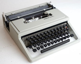 Olivetti Dora (Lettera 31) Portable Typewriter - Fully Functional and Cleaned