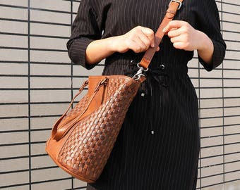 Brown Leather Crossbody Bag, Leather Shoulder Bag, Personalized Leather Bag, Handmade Woven Bag, Leather Messenger Bag Women, Leather Tote