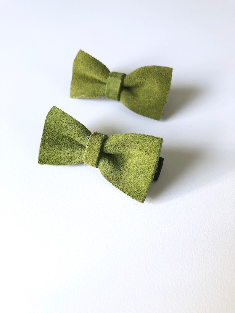 ad44cdab0af9 Leather Bow Hair Clip Apple Green Clip Set Little Girl Hair   Etsy