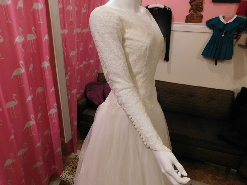 575921ce9b Stunning 1957 Wedding dress   perfect condition  tulle Adeline