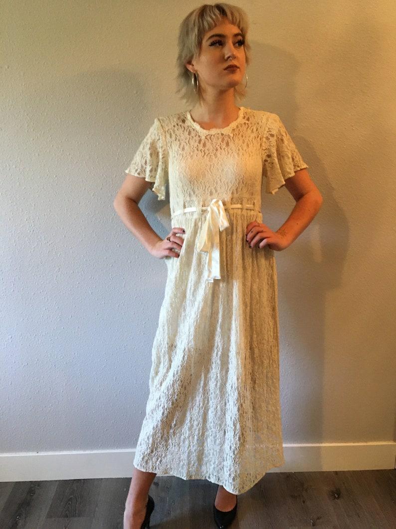 Vintage lace dress ribbon waist size medium