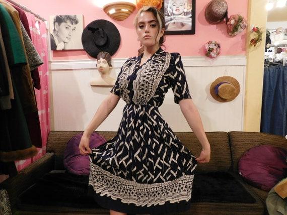 Vintage dress /1940's / Size Large / Rayon