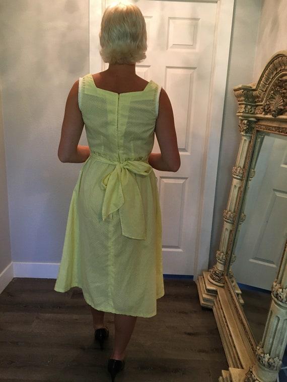 Vintage farm dress / Day Dress / Size Medium / 19… - image 6