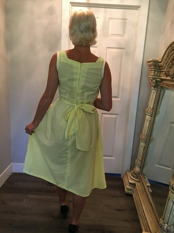 Vintage farm dress / Day Dress / Size Medium / 19… - image 2