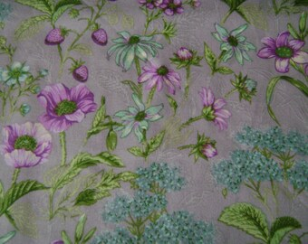 Lavender Garden Cotton  Fabric (1 yard 35 inches)