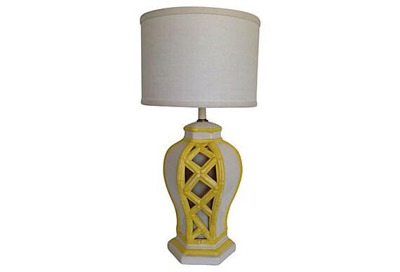 1960s Bamboo-Style Urn Lamp w/Base Light