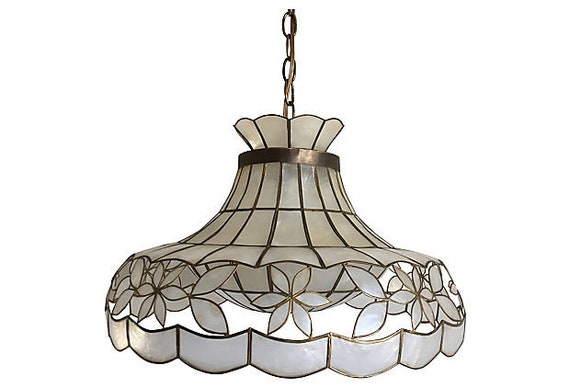 Scalloped Capiz Parasol Light