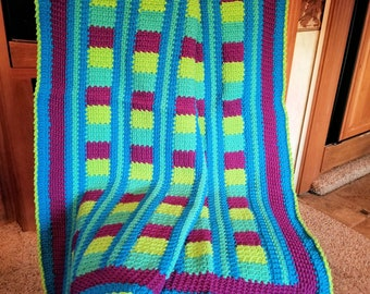 "New ""Luxurious Comfort Throw"" Crochet"