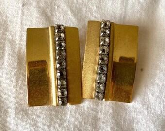 Beautiful Vintage 1960s rhinestone clip earrings