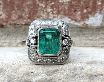 Antique Vintage Art Deco Emerald and Diamond Halo Engagement Ring in White Gold