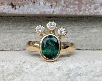 Vintage Estate Emerald Diamond Cluster Crown Ring in 18k Gold   Bezel Diamond Ring